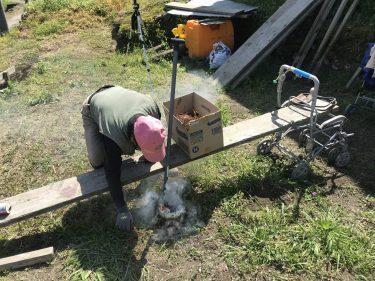 【ししとう農家2年生】マルチを張って、杭を打つ。今年も自作マルチ穴あけ機が登場!【お山のししとう】